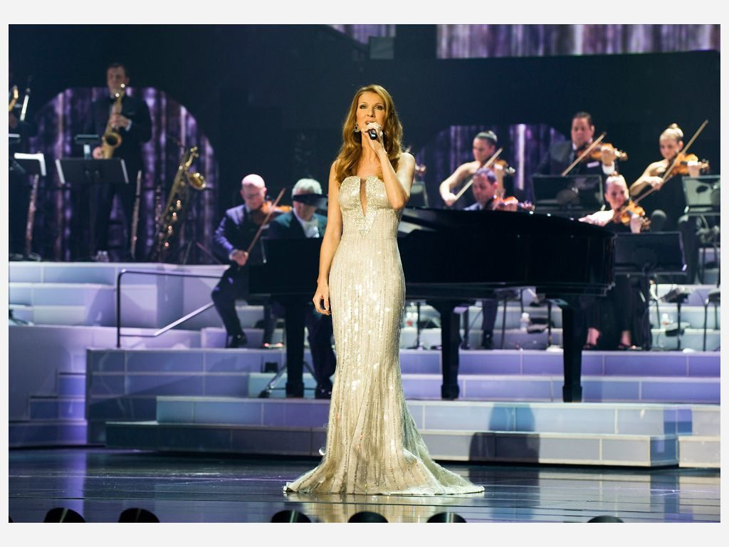 Celine_Dion_at_the_Colosseum_at_Caesars_Palace_Las_Vegas